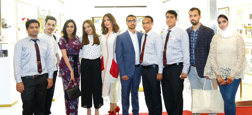 al haramain perfumes seef mall bahrain staff and reem erhama, sabrin burshaid and hanan redha